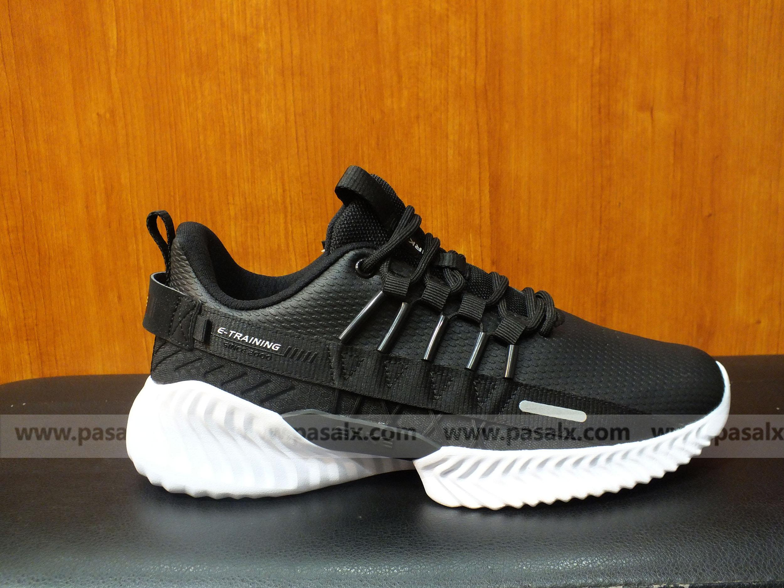 ERKE  Black & White Training Shoe For Men- 11119414510-004