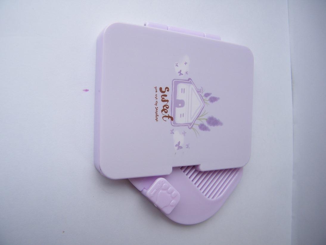 Handheld Fashionable Beauty Pocket Mirror(Color May Vary)